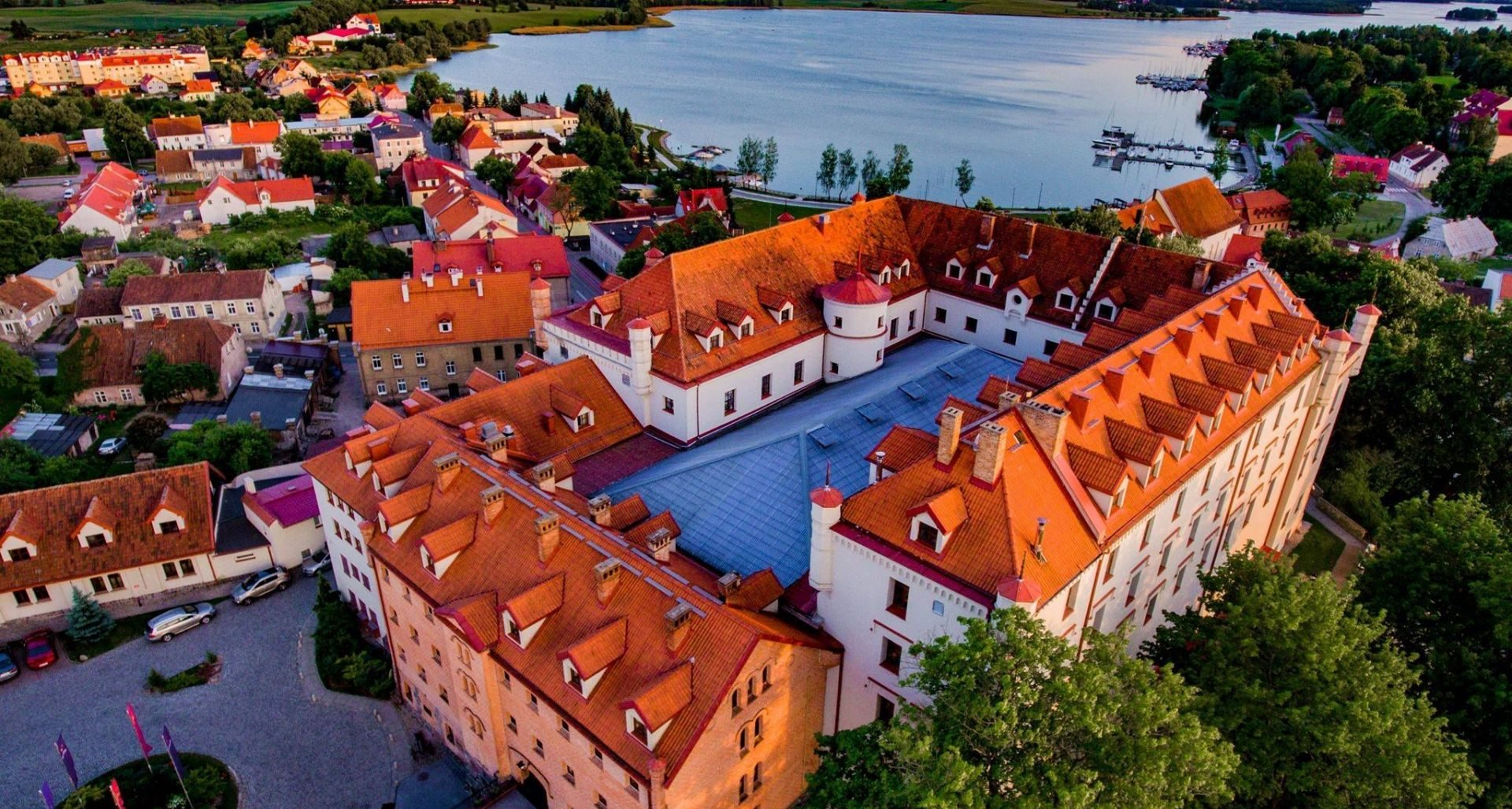 zamek ryn hotel