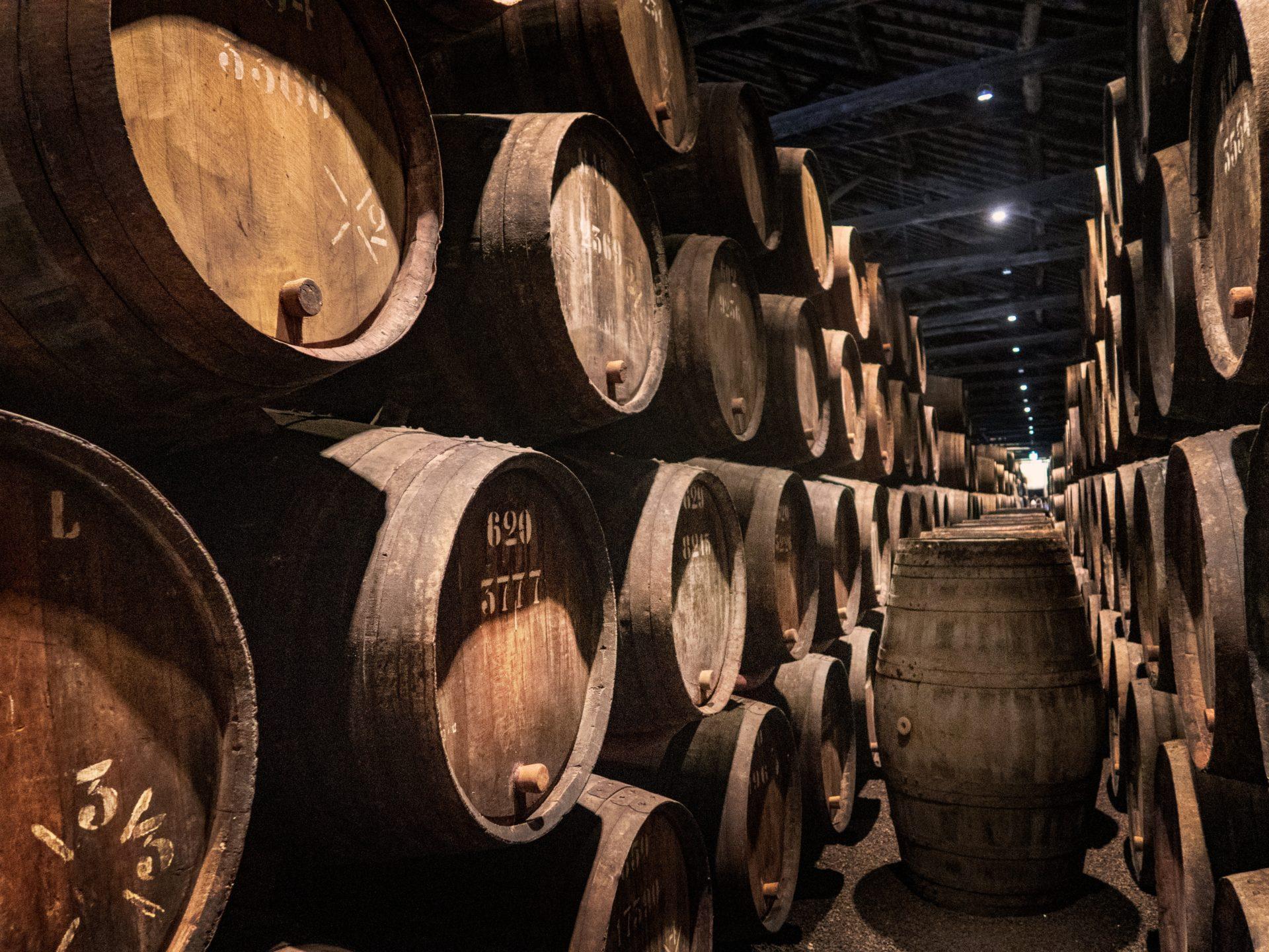 alcohol aging in barrels